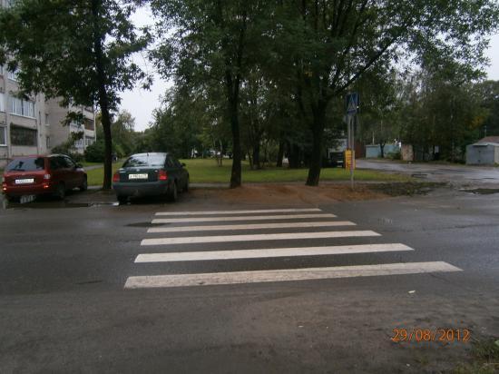 Пешеходный переход ул. Мохова-Благовещенская. Куда идти пешеходу?