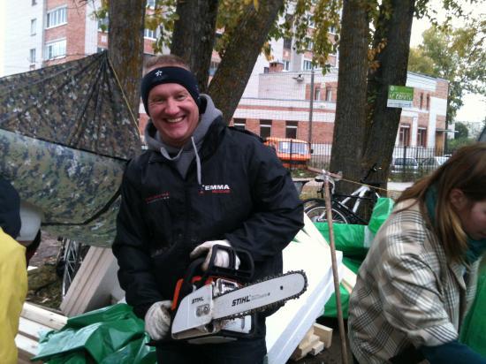 о! Вот он - рукастый мужик. Ян Кочкин. Он еще утром пруд изнутри обследовал, так как еще и первоклассный ныряльщик!