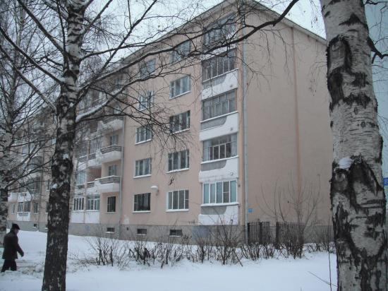 дом в Вологде на 2 этаже живут Беловы.