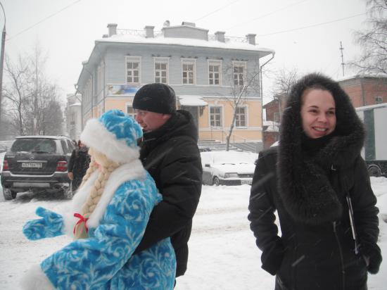 Снегурочка в надёжных руках.