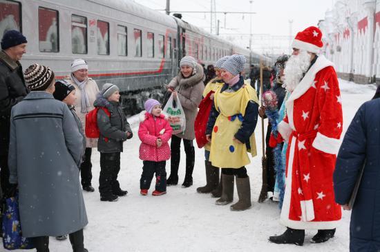 В Мурманск на новогодние праздники едет очень много детей