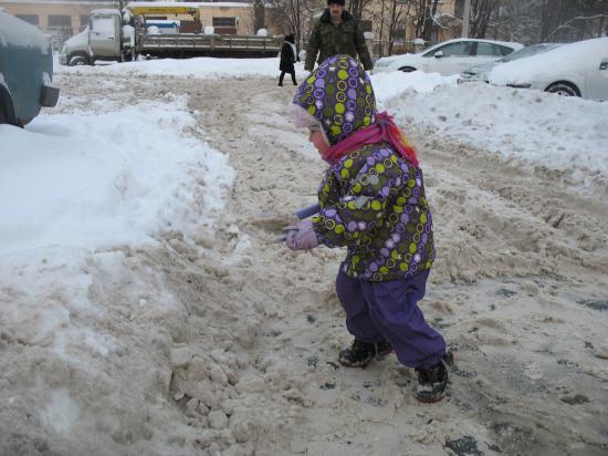 Снежный субботник посредине недели