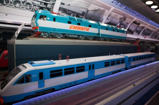 В следующем вагоне представлены модели различных типов подвижного состава