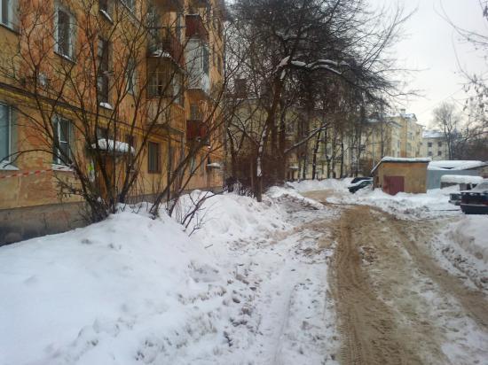 Двор-позор: ул. Набережная 6Ар д. 215А