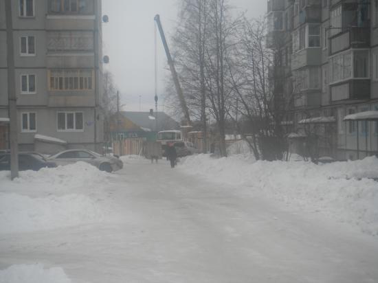 идёт строительство с другой стороны дома. февраль 2013 года.