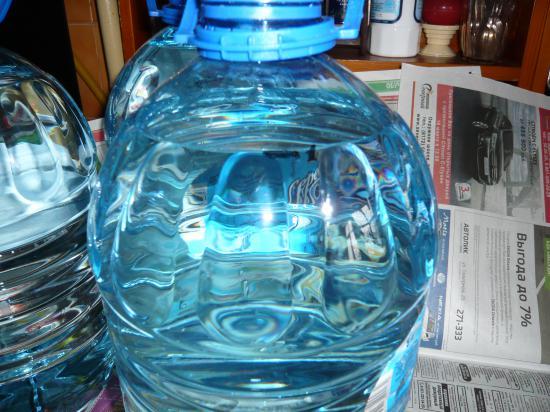 1) Отметка на ней маркером уровня воды -№ 1