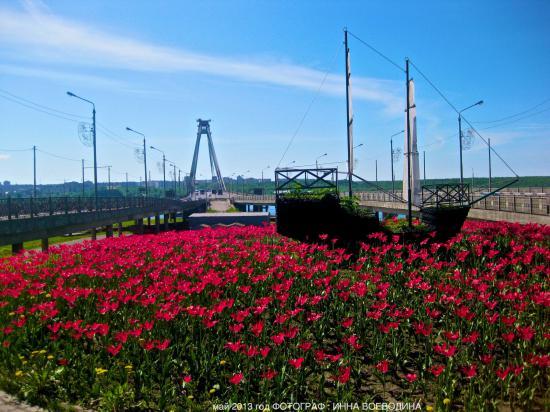 корабль у Октябрьского моста