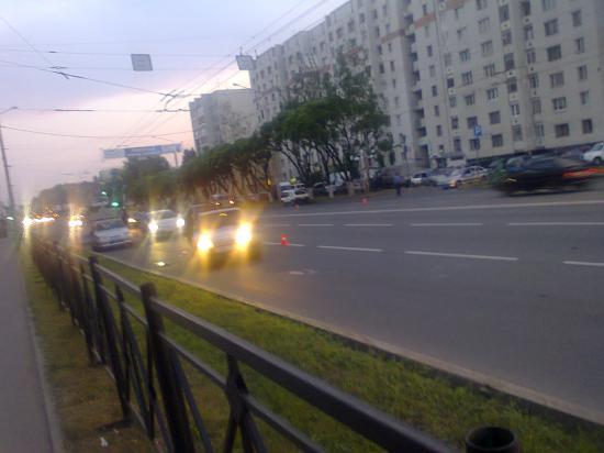 А Это уже перекресток улиц Ленинградская и Гончарная (заезд на Ленинградский мост)