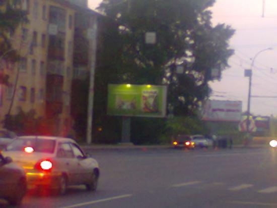 Тот же самый перекресток(Гончарная - Ленинградская), но уже на съезде с моста в сторону ПЗ