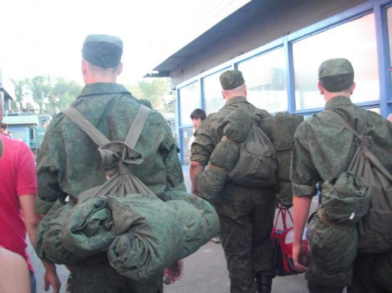 Проводили мы мальчиков в армию.