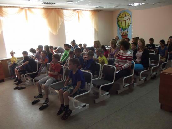 Офицеры России поздравили воспитанников детских домов в Череповце с Днем знаний