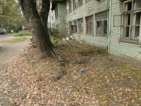 Дом № 2 на улице Дзержинского.