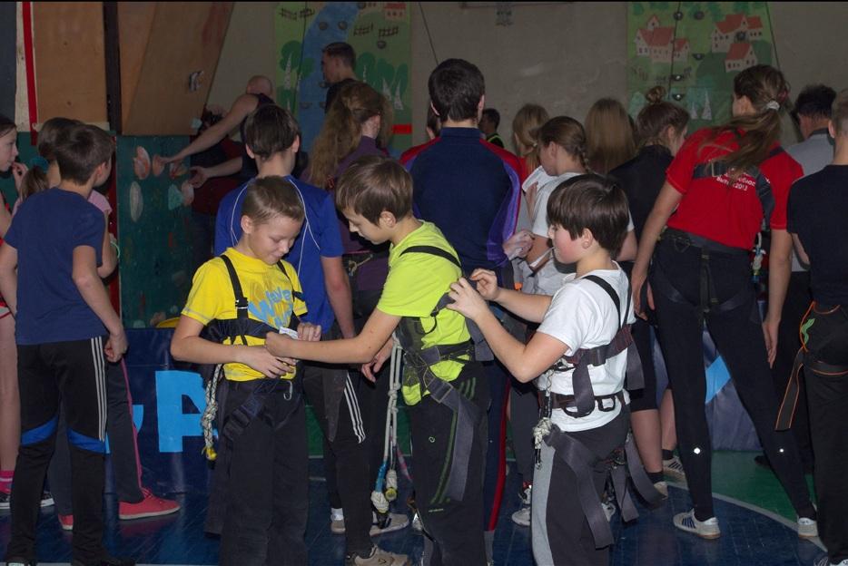 Лучшие скалолазы области учатся в школах Вологодского района