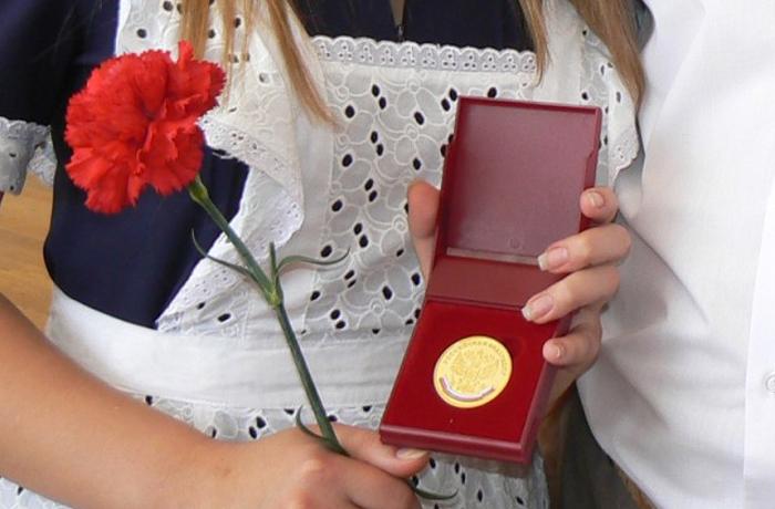 Выпускники школ останутся без медалей