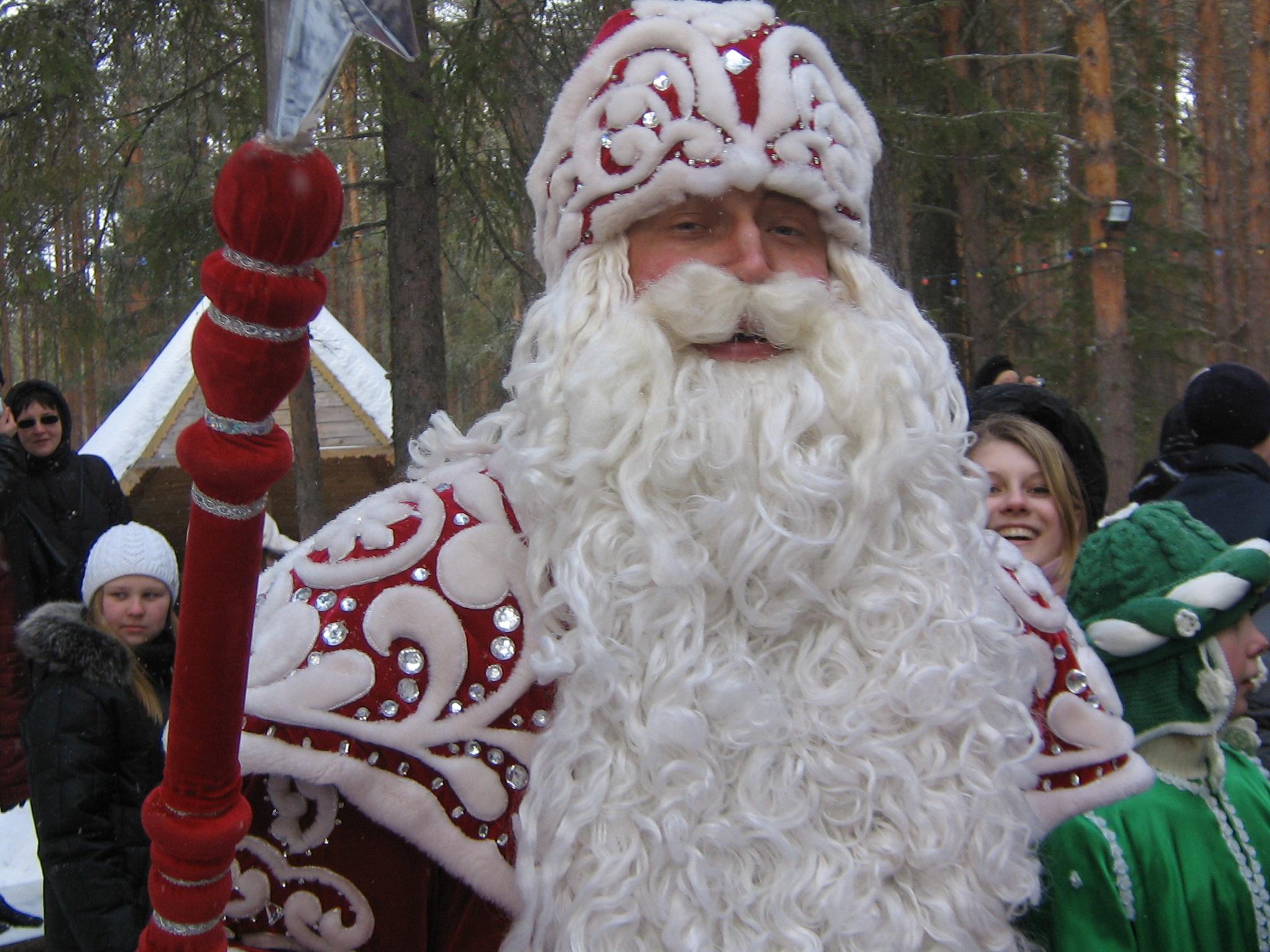 Дед Мороз из Великого Устюга признан вторым по богатству среди коллег