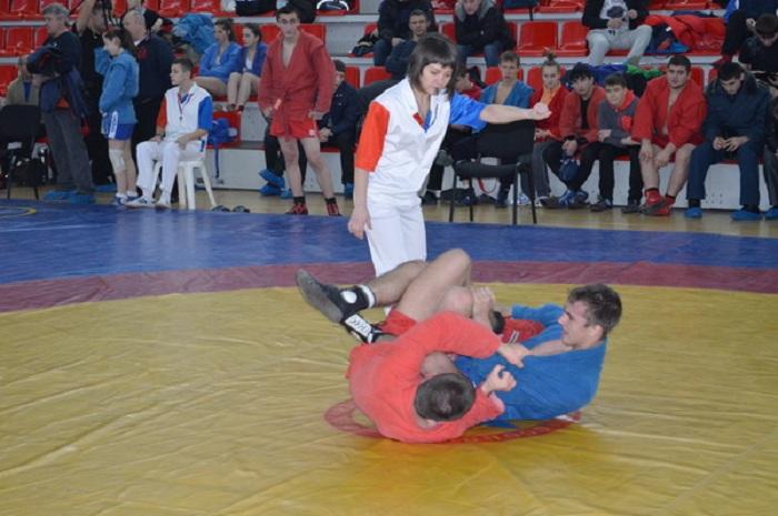 Вологодские самбисты завоевали 16 золотых медалей на Чемпионате и Первенстве Северо-Запада