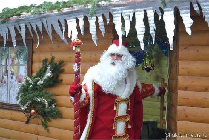 Резиденции Деда Мороза открылись во многих городах России