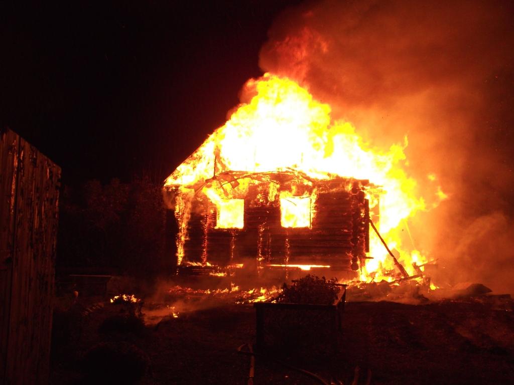 Жилой дом сгорел в Вытегорском районе