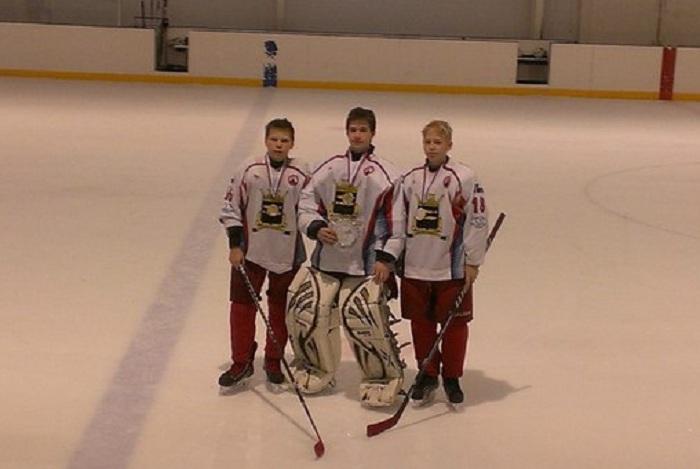 В ДТП в Вологодской области пострадали юные хоккеисты команды «Переславль-2000»