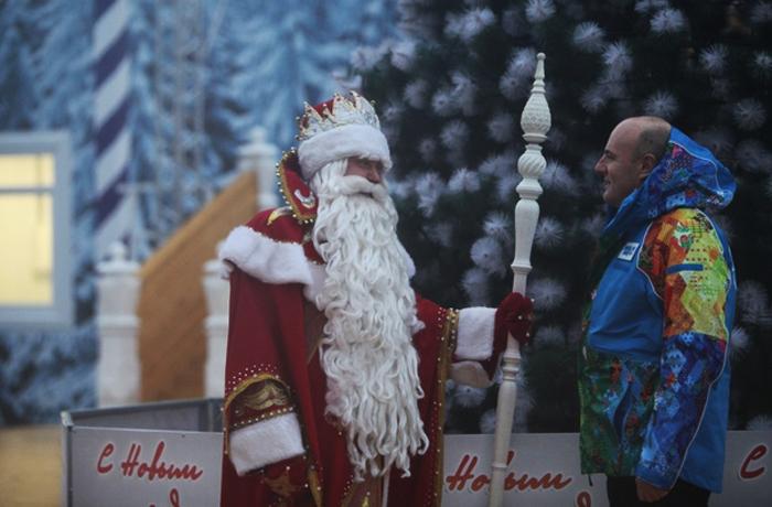 Дед Мороз будет болеть за российских хоккеистов и биатлонистов