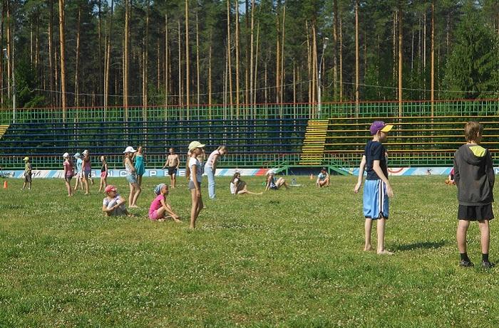 Несмотря на петицию Путину, под Череповцом закрывают детский лагерь «Орлёнок»