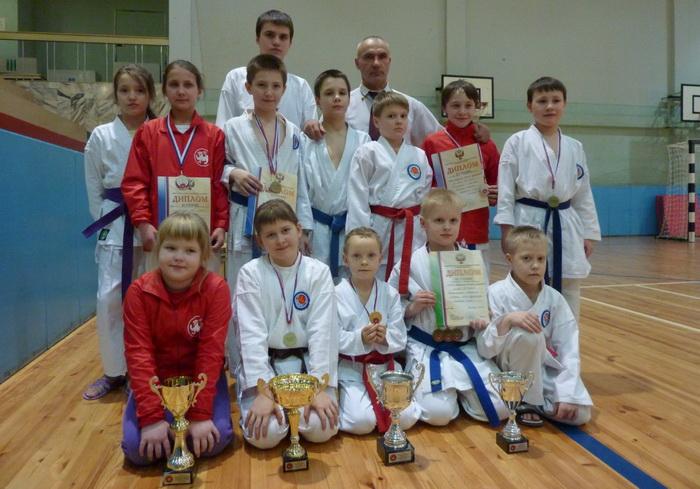 Вологодские каратисты завоевали 14 медалей на соревнованиях в Москве