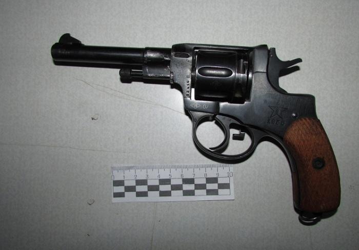 В Вологодской области мужчина хранил дома самодельный наган в качестве залога