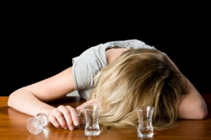 В Вологодской области пьяная многодетная мать напала на инспектора
