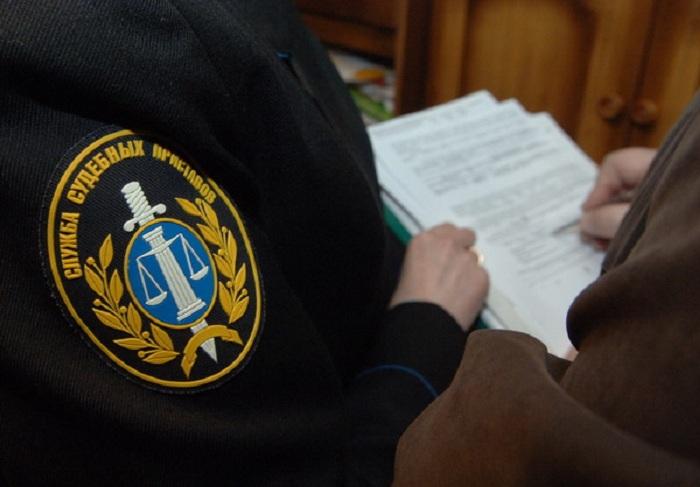 Две квартиры арестовали в Вологде за долги