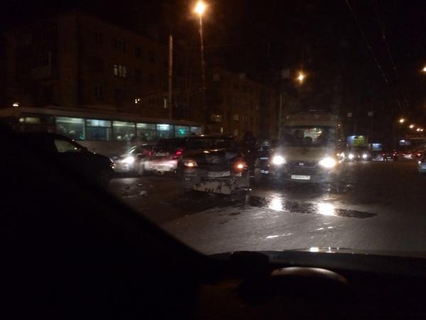 ДТП у Ленинградского моста: 4 машины