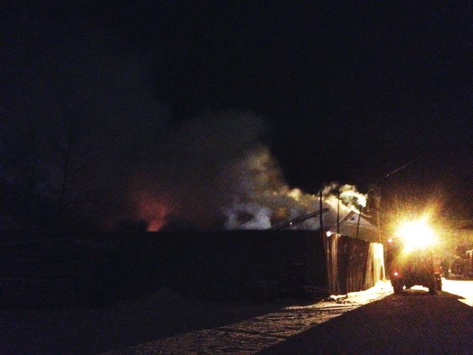 В Вологде горят склады на площади 2000 квадратных метров