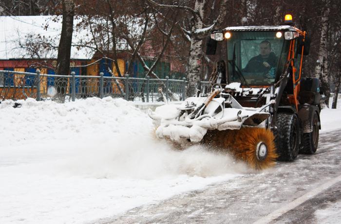 Зеленстрой: Улицы Вологды очищают от снега круглосуточно