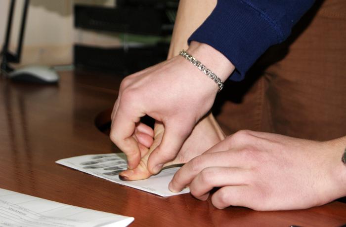 В Вологде грабителя нашли по отпечаткам пальцев