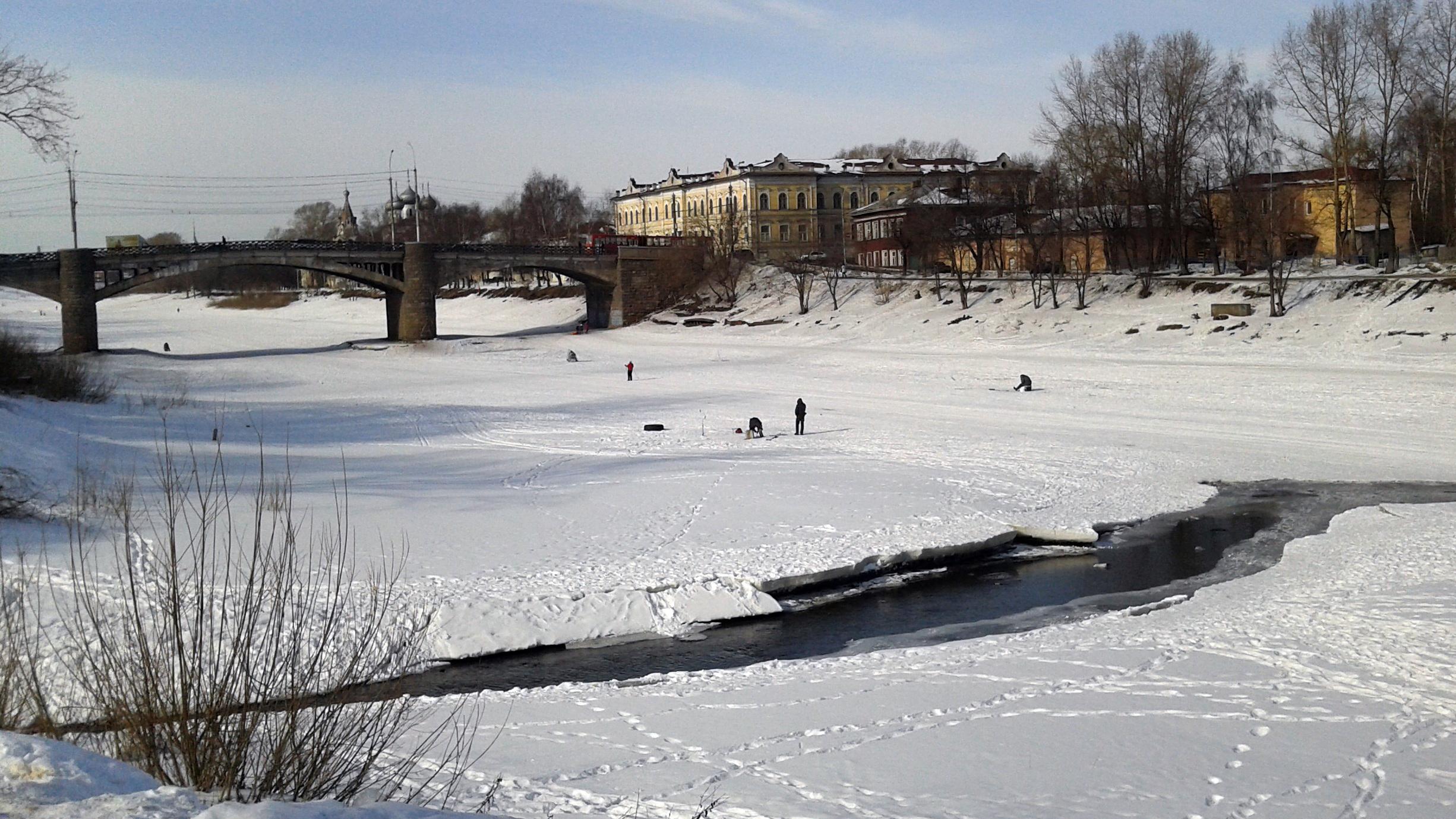 Лед на вологодских водоемах начал таять