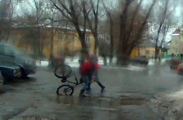 На велосипеде по Вологде. Спасибо, что живой!