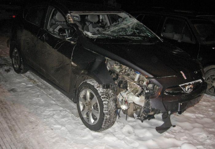 В Вологодском районе пьяный угонщик разбил украденный у знакомого автомобиль