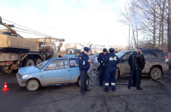 В утреннем ДТП в Вологде погибла пассажирка «Оки»