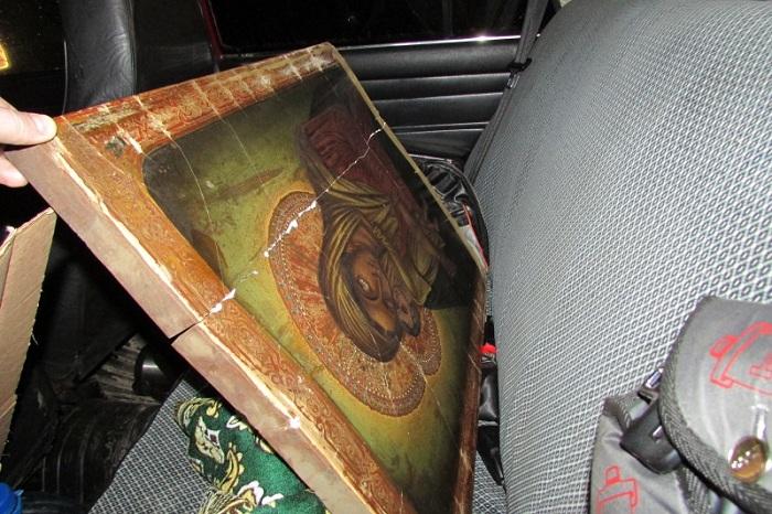Вооружённые налетчики забрали у жителя Вологодской области старинную икону