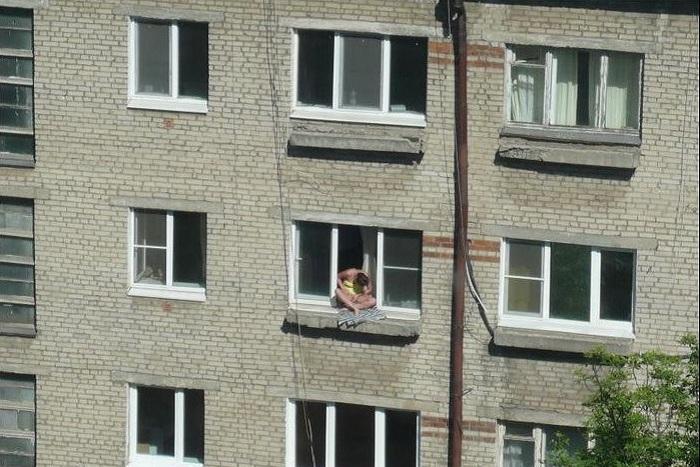 Любительницу «солнечных ванн» в Череповце приняли за самоубийцу