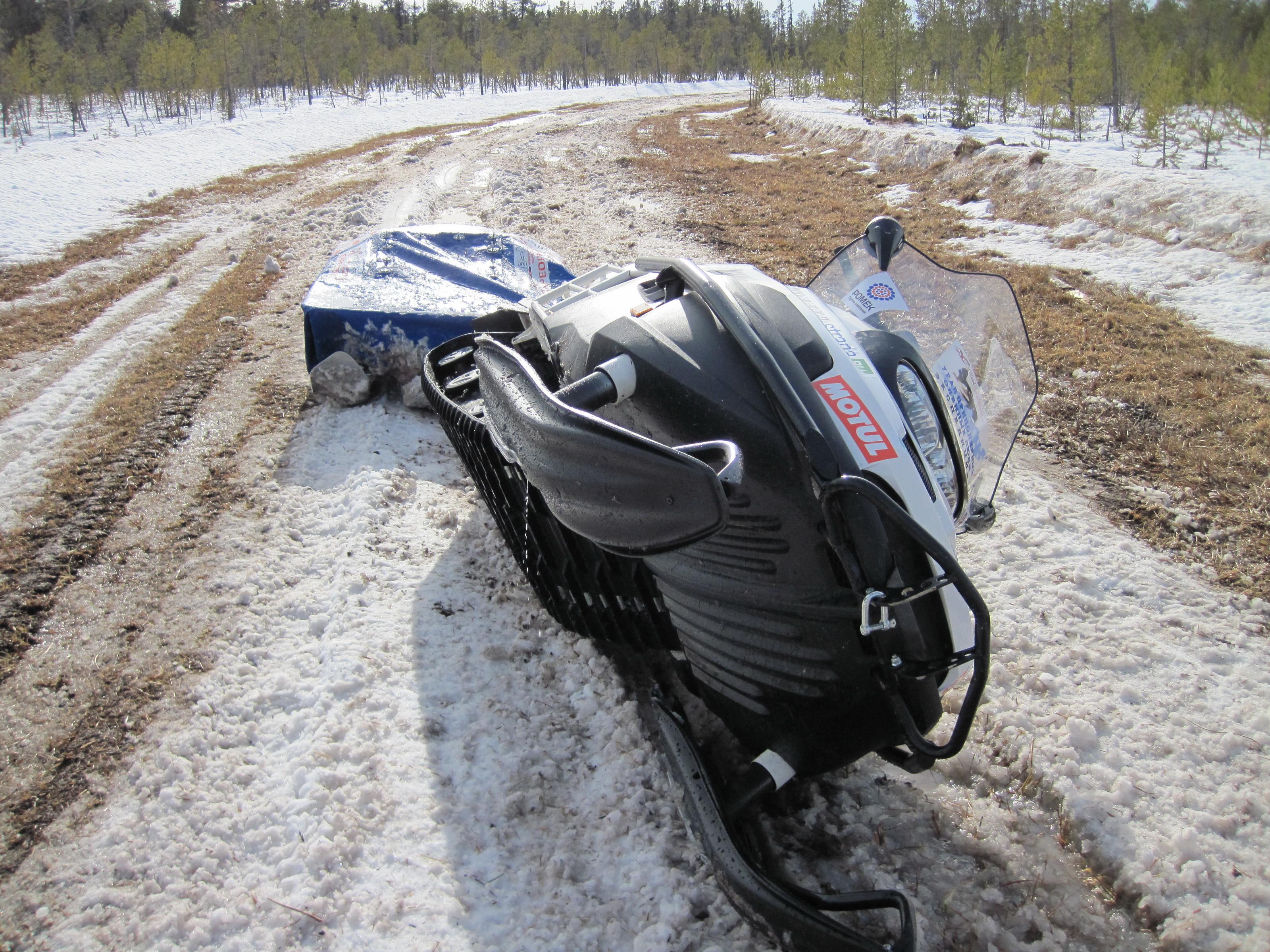 Вологжанин погиб в столкновении вездехода и снегохода