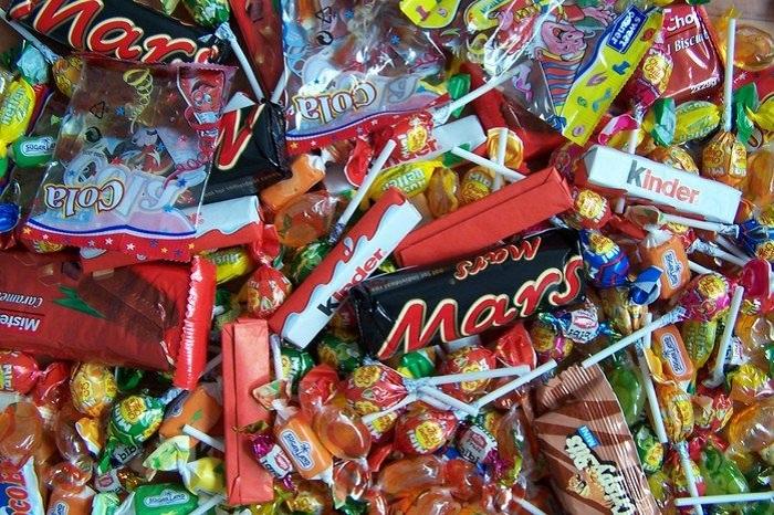 В Вологодской области пятиклассницы обокрали своего учителя, чтобы купить конфеты