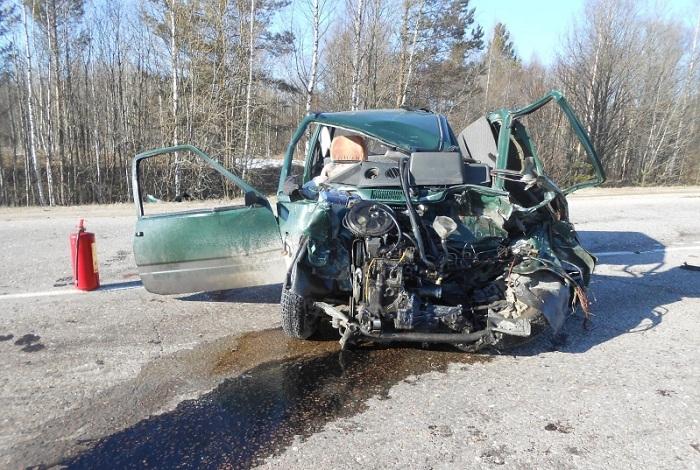 В Вологодской области при столкновении «Оки» и «Газели» погиб человек