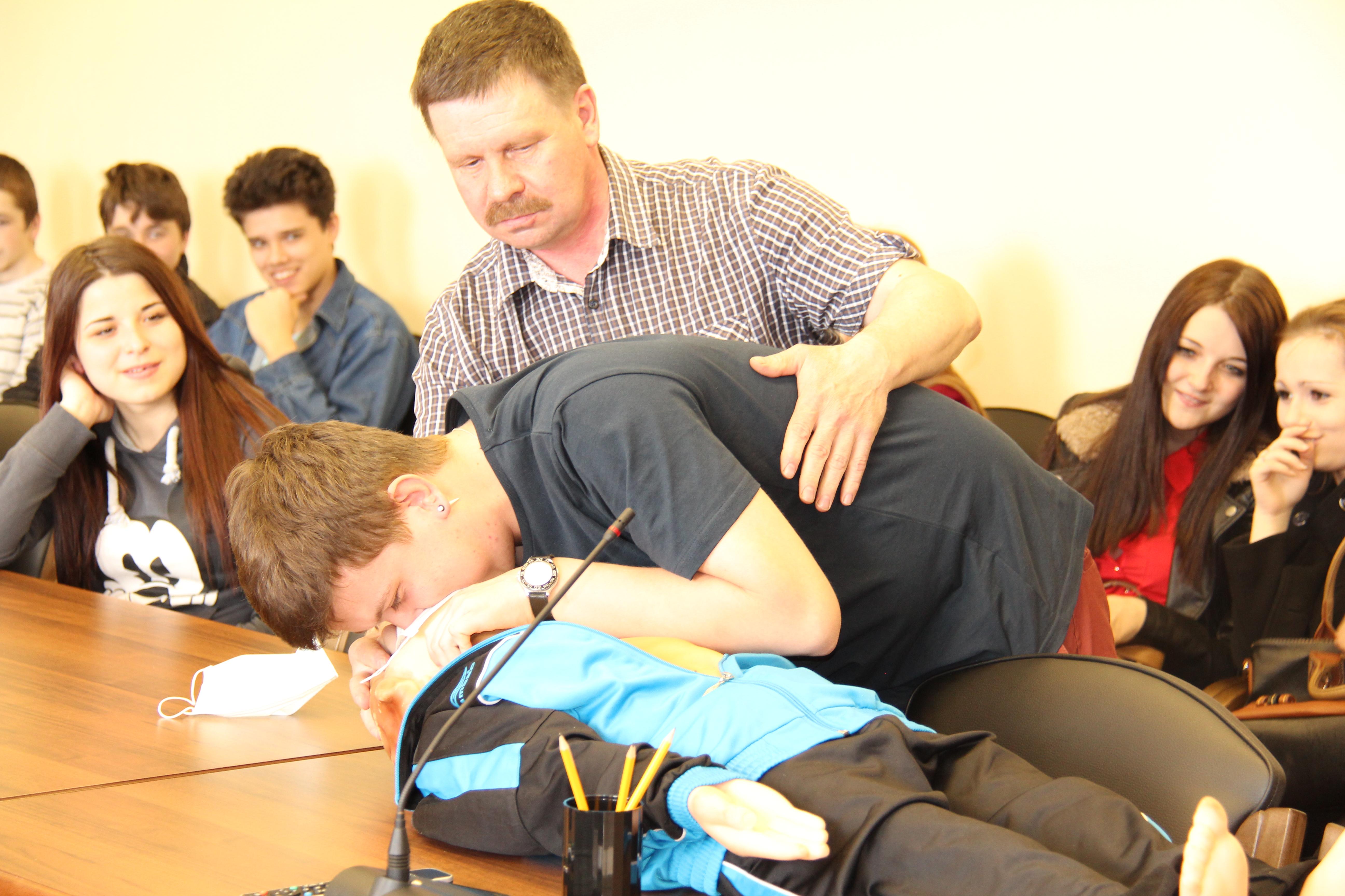 Активисты молодёжного совета провели в стенах «Вологдаэнерго» расширенный урок по электробезопасности для  старшеклассников школы № 31 города Вологды