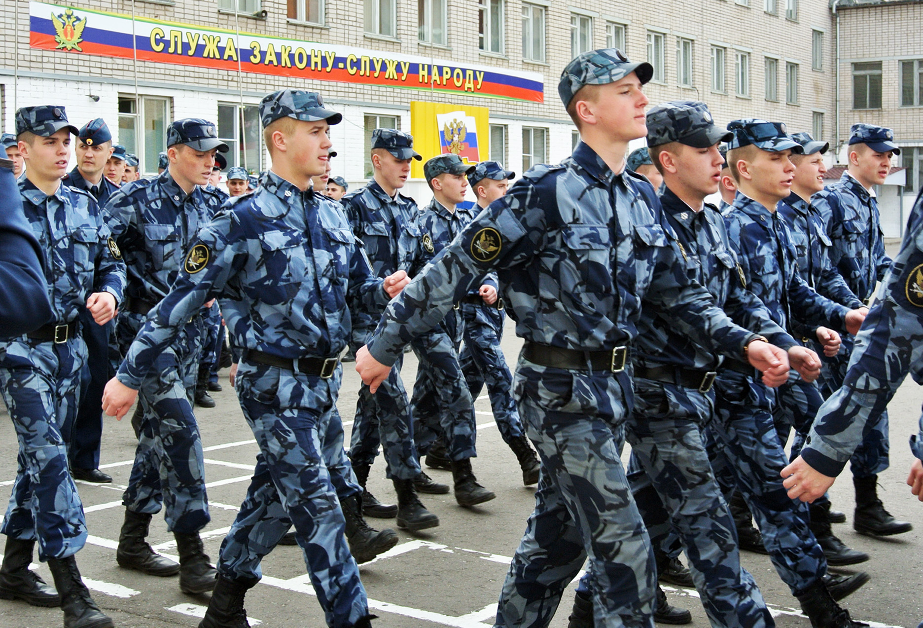 В Вологде силовики и курсанты готовятся ко Дню Победы