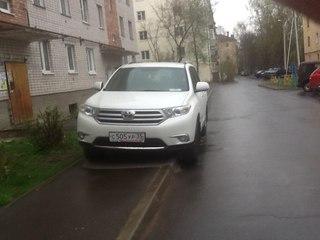 Так паркуются на Горького, 126