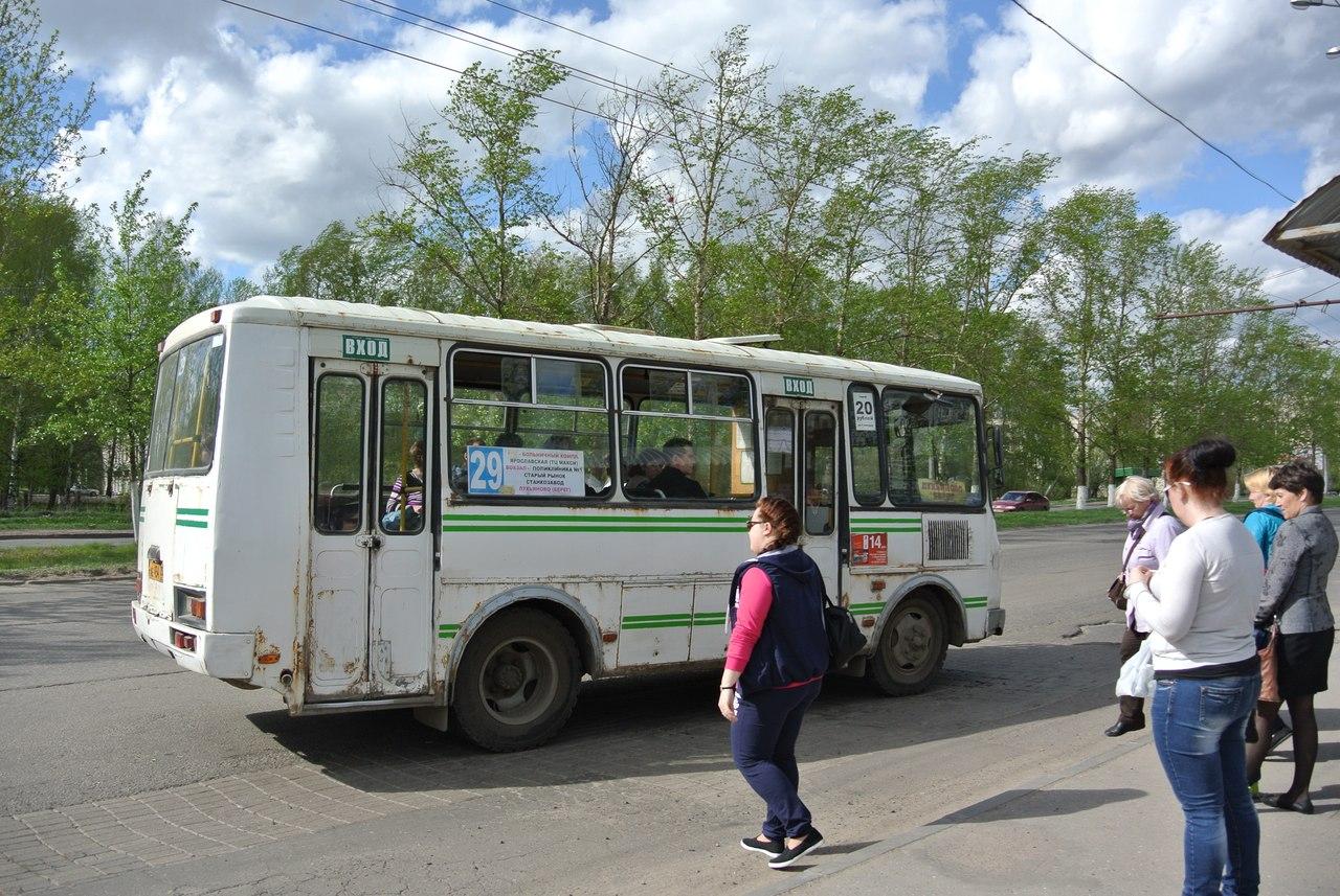 В Вологде пассажиры ждут автобусы часами