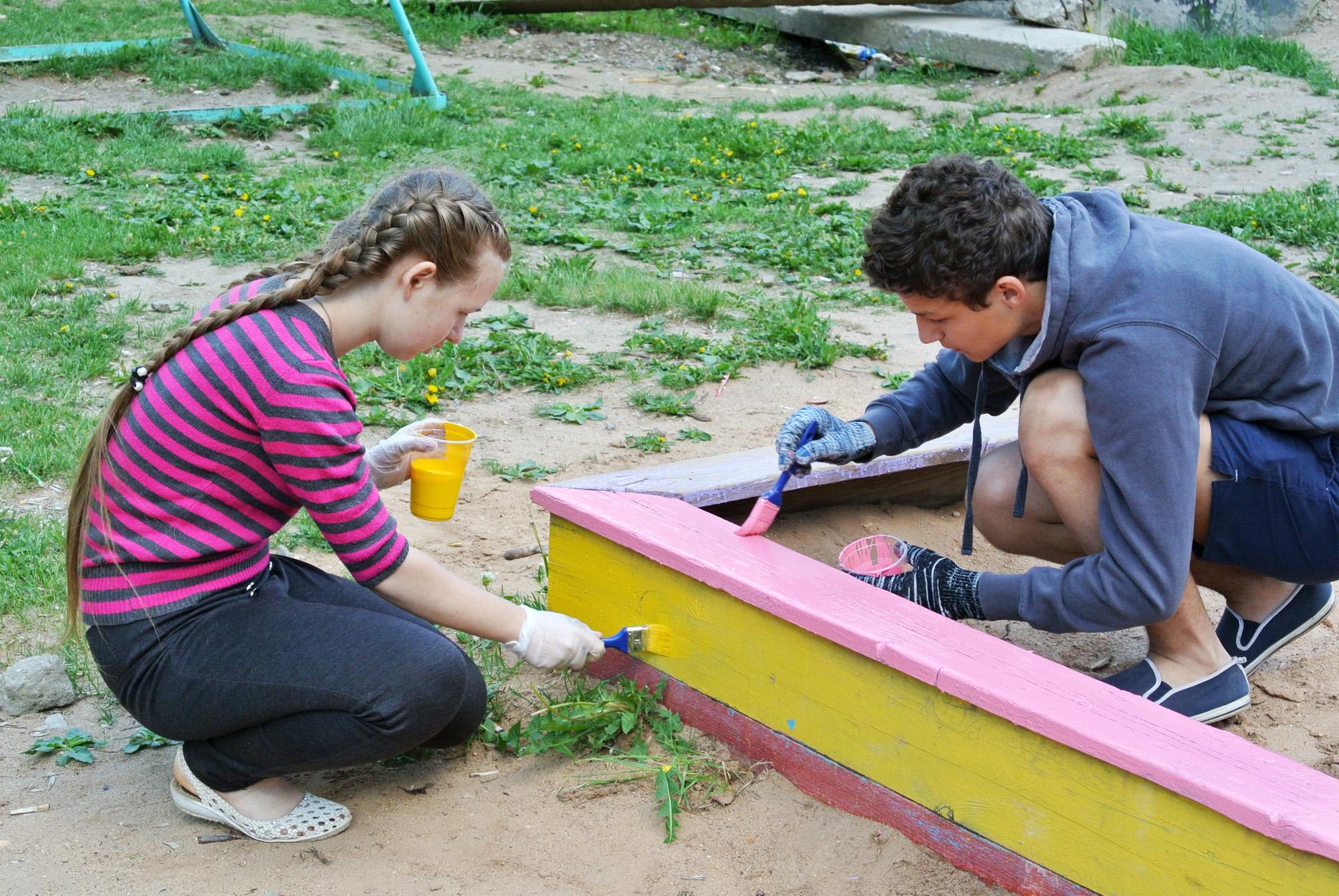 В Вологде началась акция «Яркий двор»