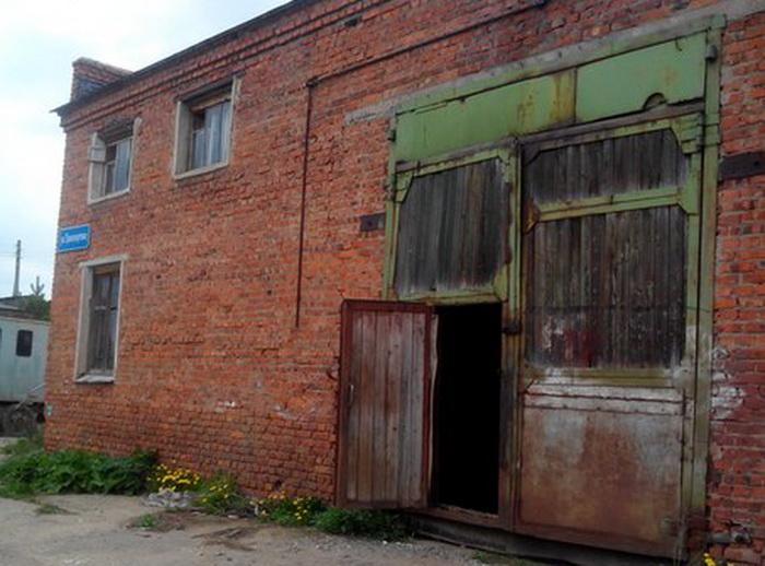 Детскому мотоклубу в Вологде предложили переехать в аварийное здание на краю города