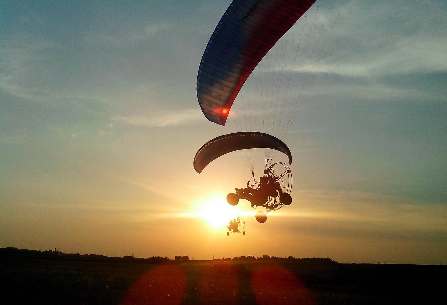 В Вологодском районе парапланеристы соревновались в небе в упражнениях на жадность