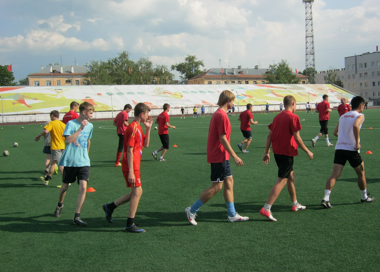 Футболисты клуба «Вологда» провели тренировку для детей с ограниченными возможностями здоровья